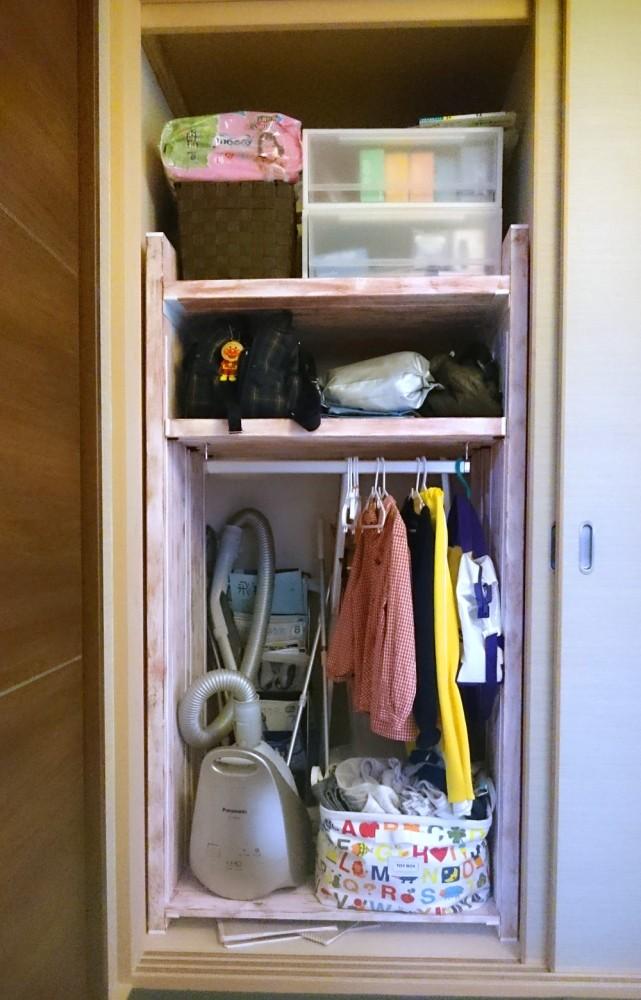 押し入れに入れた収納棚