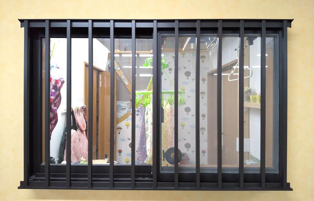 面格子の窓