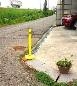 敷地内に車やトラックが入って来ないようにする方法