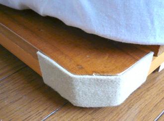 ベッドのコーナー部分