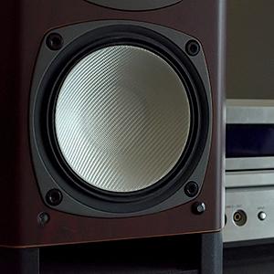 吸音材と遮音シートの組み合わせで外に漏れる騒音がかなり防止できます。