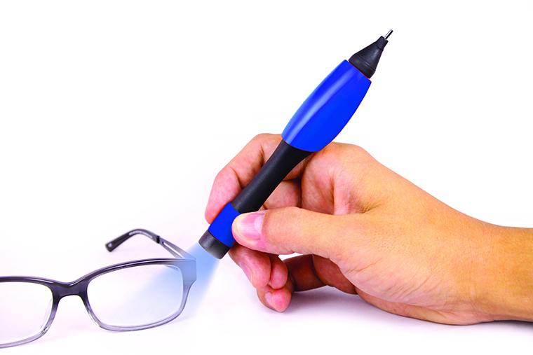 メガネも補修できる「UVリペアペン」