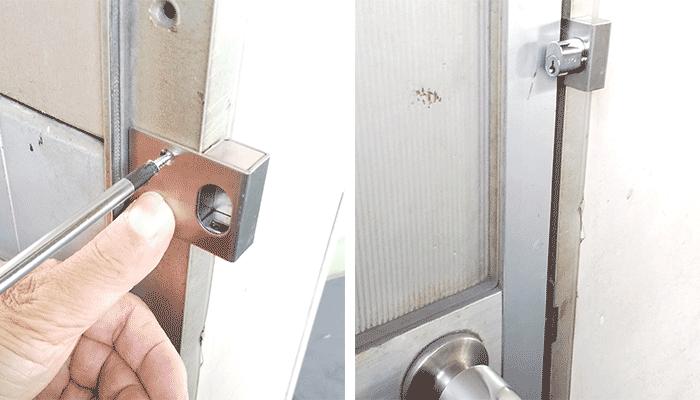 ネジでドア枠に直接設置