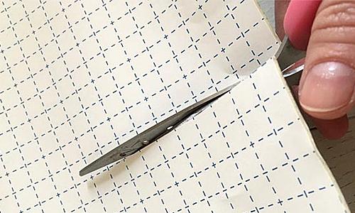 貼って剥がせる壁紙シート『デコマ』の取付け方2