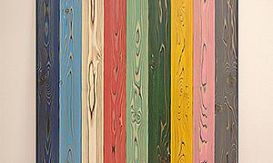 カラフルな塗装木材UROCOを壁に貼っておしゃれな空間に