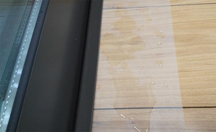 湿気や水分を浸透させない保護シート