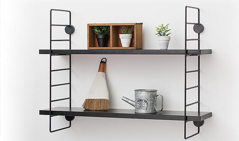 石膏ボードに簡単に取り付けられる飾り棚『ワイヤーシェルフ』